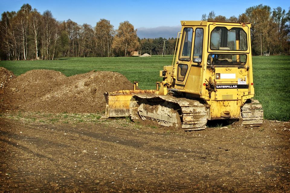 žlutý buldozer