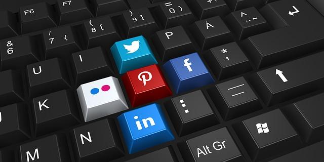 klávesi sociálních sítí