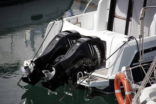 lodní motory