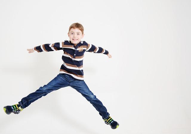 skákající kluk.jpg