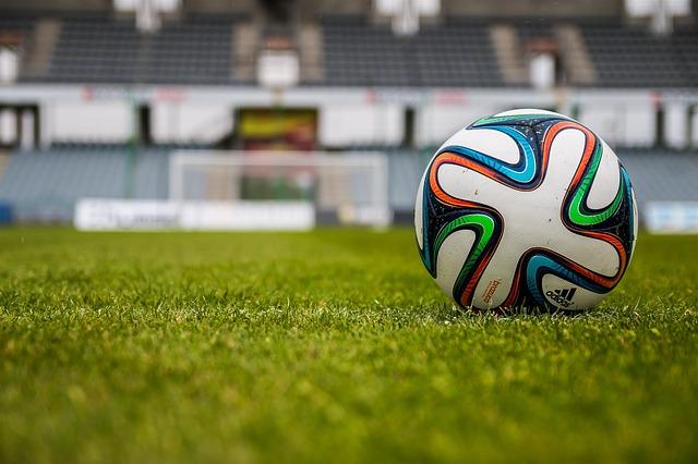 míč na stadionu
