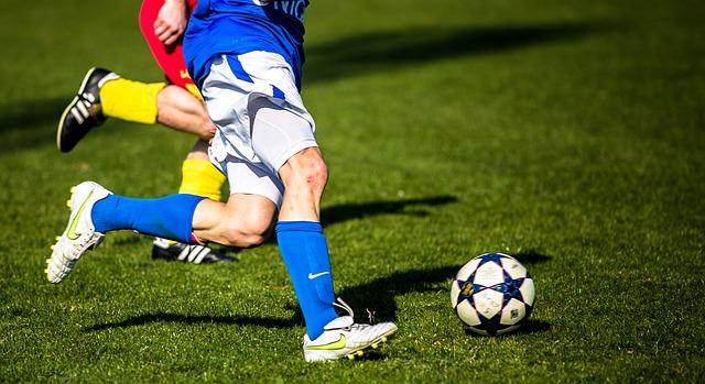 fotbalisti u míče