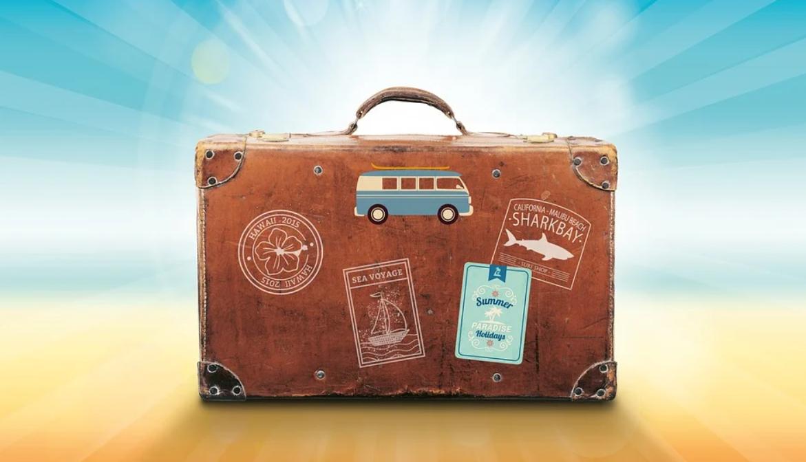 kufr s věcma